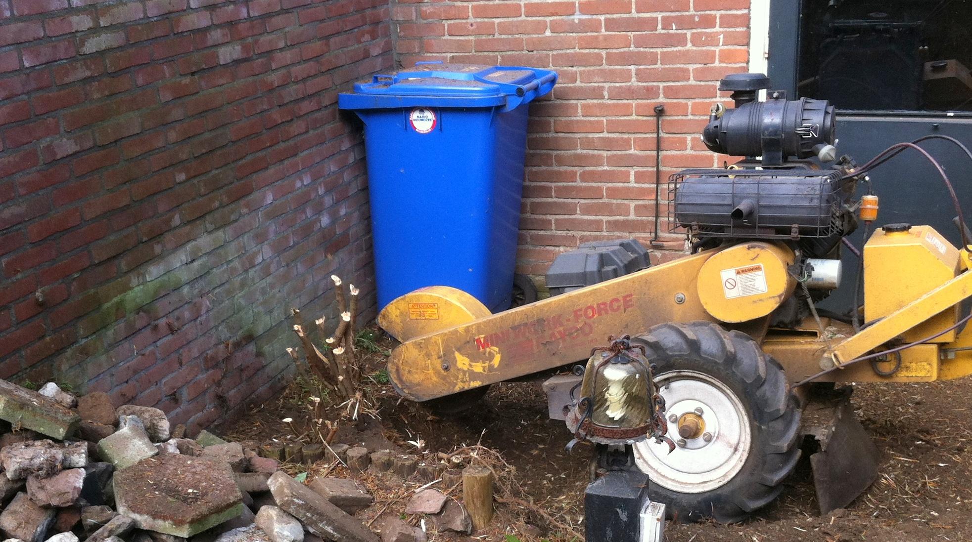Boomverzorging Hasenaar - Verwijderen boomstobben 4.4 - Stobbenfrezen 4